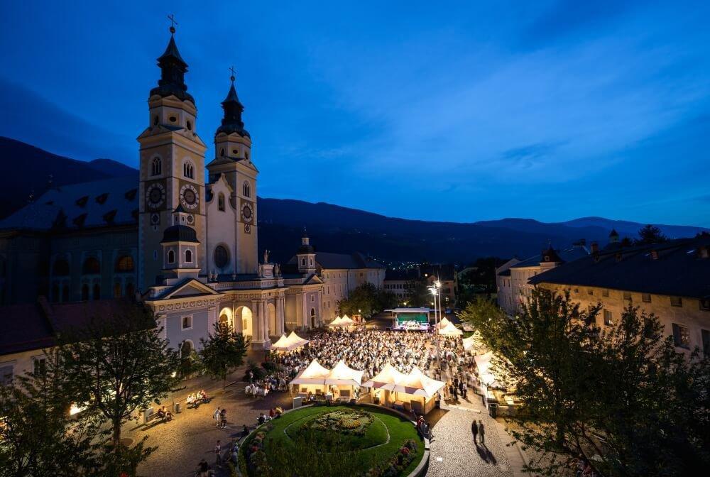 Altstadtfest in den romantischen Gassen der alten Bischofsstadt Brixen